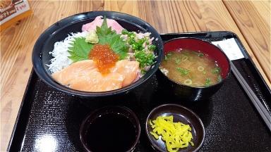 201620160710 富士川SA 三色海鮮丼