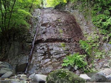 咆哮霹靂の滝