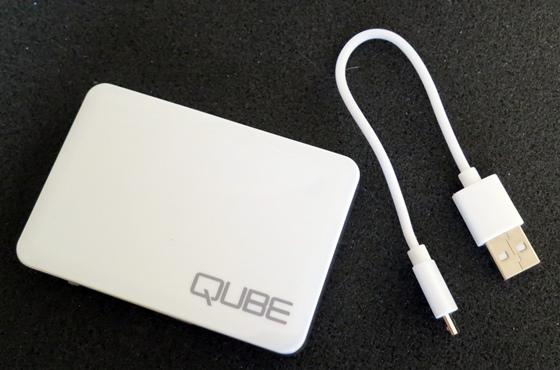 QUBEモバイルバッテリー