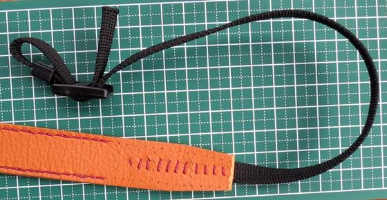 ナイロンストラップ縫い付け