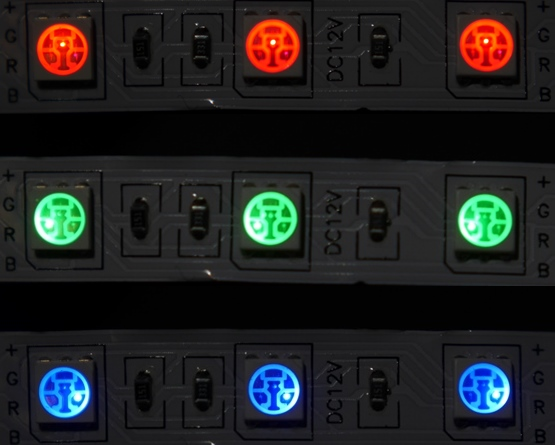 LEDテープ各色点灯