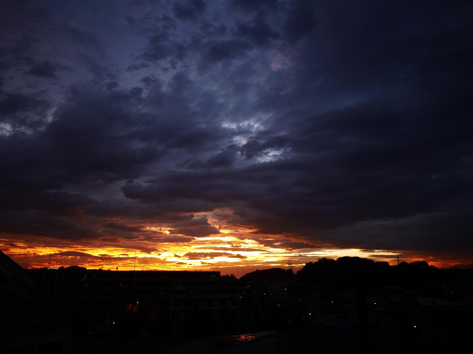 台風後の夕焼け2