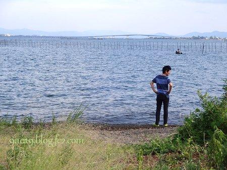 7月23日 琵琶湖大橋と友人