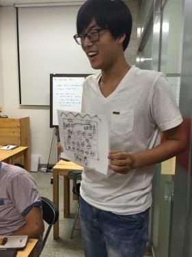チュソクで出される料理について説明をしてくれた韓国人メンバー。