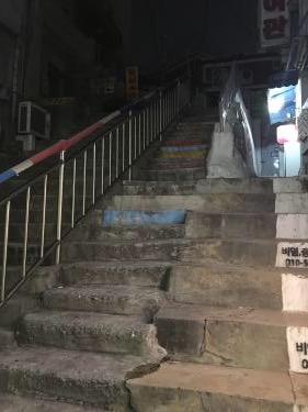 壁の様に立ちはだかる階段w