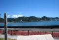 さくら貝の歌碑(対岸は桜山)