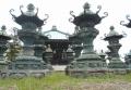 羅漢堂と唐金灯篭
