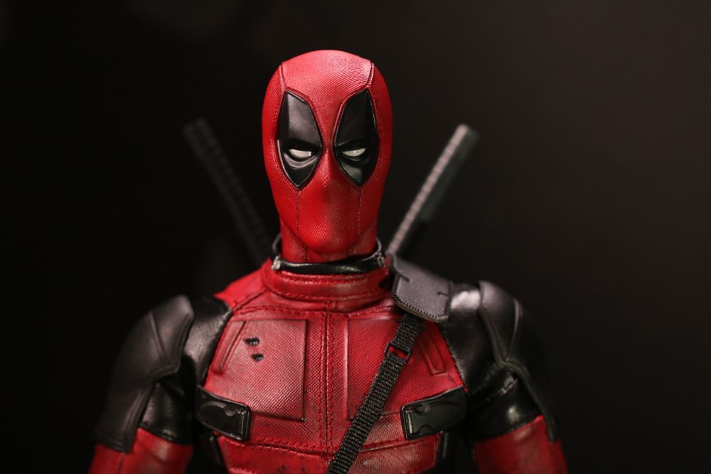 hottoysdeadpool17.jpg