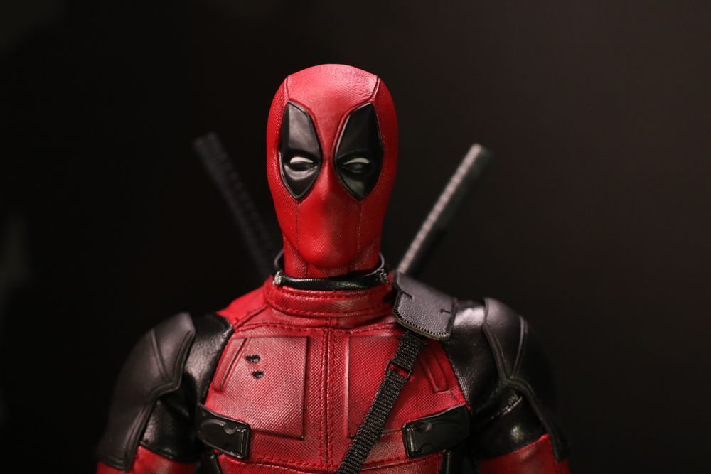 hottoysdeadpool19.jpg