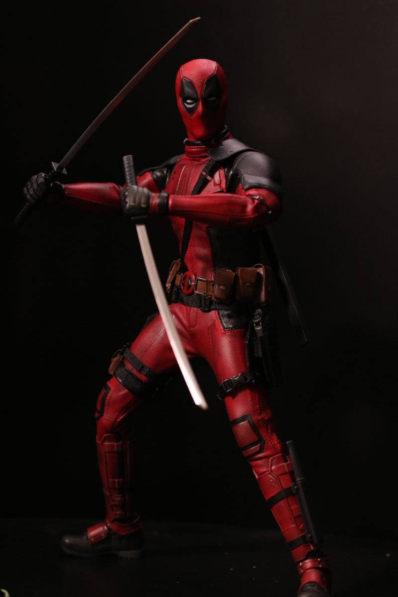 hottoysdeadpool20.jpg