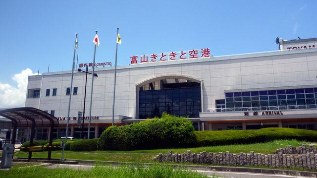 富山きときと空港2
