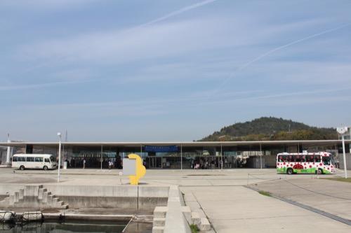 0066:海の駅なおしま 直島パヴィリオン側からの外観①