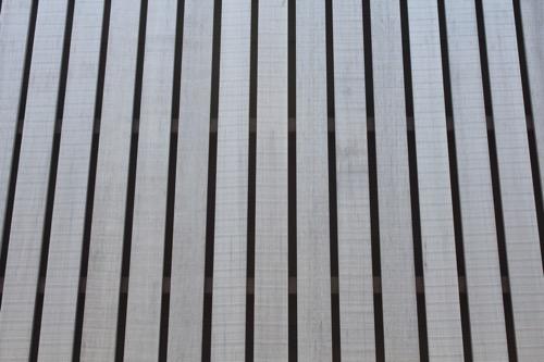 0070:宮浦ギャラリー六区 北側ファサードの木材拡大