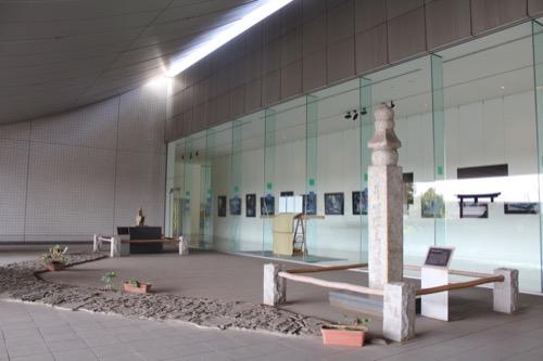 0081:和歌山県立博物館 無料展示スペースから差し込む光