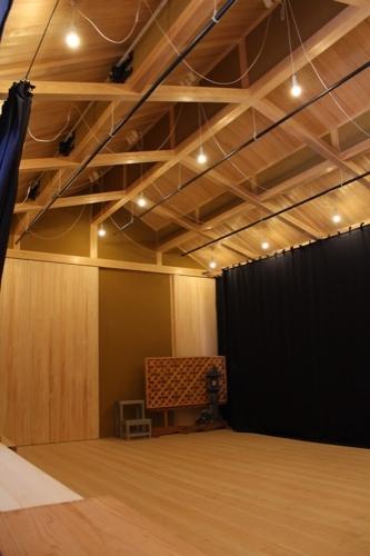 0083:直島ホール 舞台内部