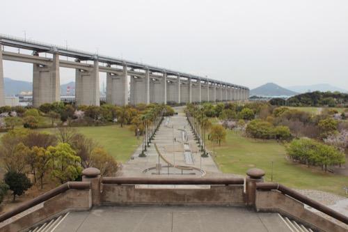 0085:瀬戸大橋記念館 展望台から「水の回廊」をみる