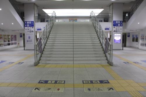 0088:JR高知駅舎 コンコース②