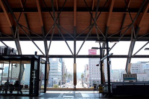 0088:JR高知駅舎 南大通をみる