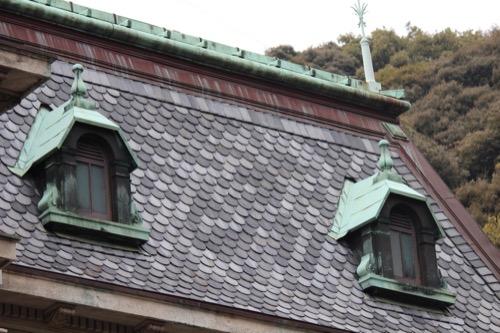 0093:萬翠荘 屋根の鱗瓦