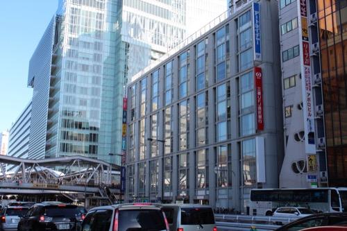 0101:アベノセンタービル 西側からファサードを見る