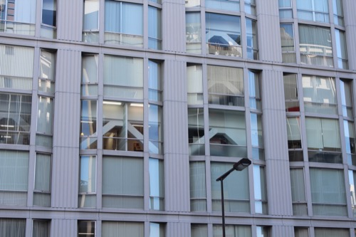 0101:アベノセンタービル 出窓のようなファサード