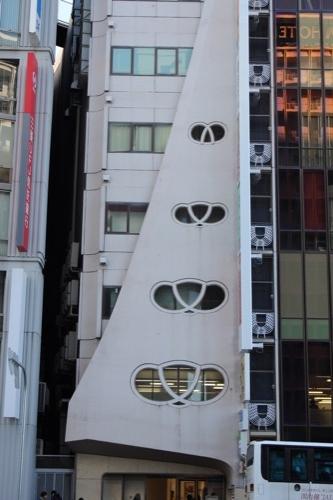 0102:きんえいアポロビル ファサード両端部