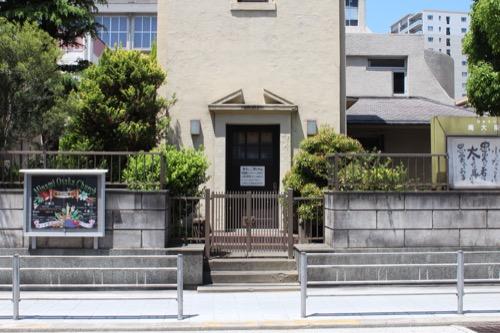 0103:日本基督教団南大阪教会 道路側から塔屋を撮る