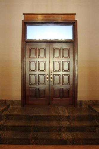 0104:大阪市立美術館 本館2階奥にある来賓室の扉