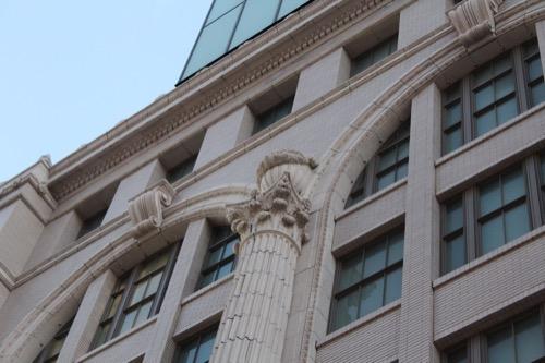 0105:南海ビルディング アカンサスの列柱