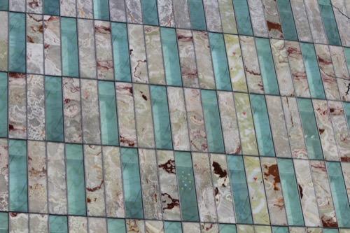 0106:LVMH大阪 大理石のようなファサード