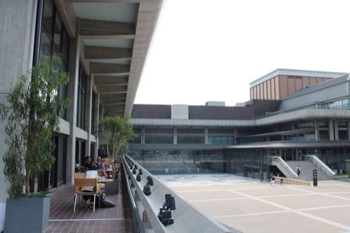 0116:ロームシアター京都 中庭④