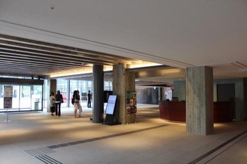 0116:ロームシアター京都 1階プロムナード①
