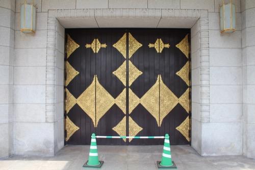 0119:京都市美術館 南側の扉装飾