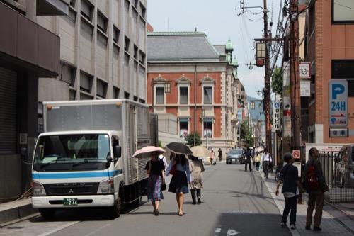 0121:中京郵便局 烏丸通からの眺め