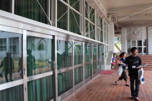 0128:直島小学校 内部にある体育館①