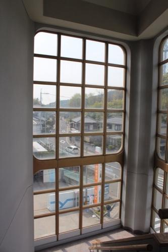 0130:直島町役場 階段の様子