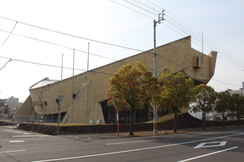 0131:香川県立体育館 西側道路から