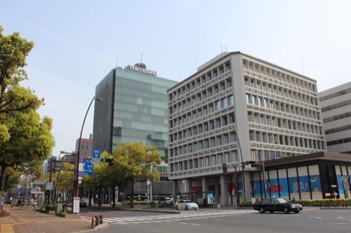 0134:百十四銀行本店 中央通り南側からの眺め