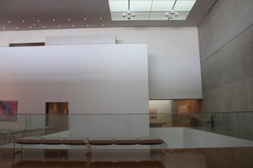 0137:丸亀市猪熊弦一郎現代美術館 中央展示室③