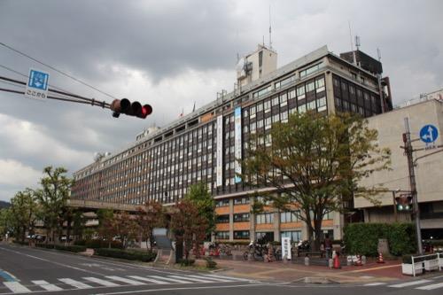 0138:岡山県庁舎 北西交差点から