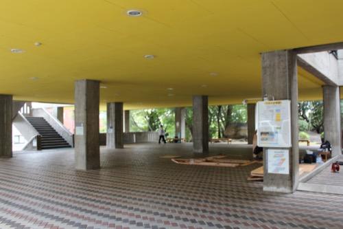 0140:岡山県天神山文化プラザ 1階ピロティ