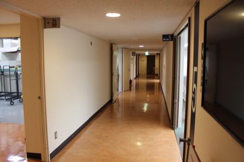 0140:岡山県天神山文化プラザ 廊下部分