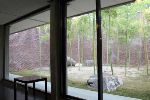 0142:林原美術館 中庭②