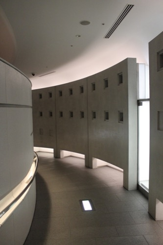 0144:国立広島原爆死没者追悼平和祈念館 追悼空間へのアプローチ