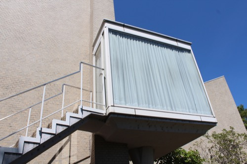 0156:松柏美術館 白の階段室