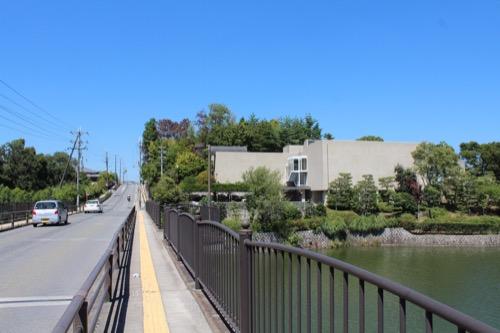 0156:松柏美術館 橋からの眺め