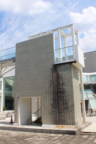 0158:岐阜県図書館 非常階段②
