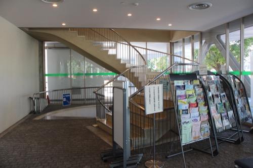 0159:岐阜市民会館 会議室フロアへの階段