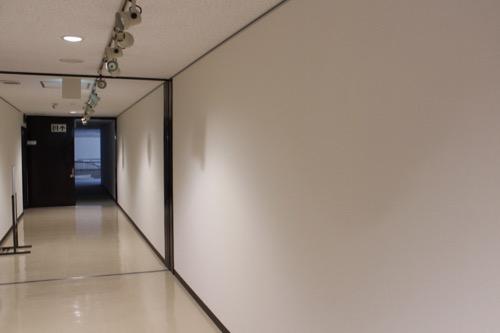 0159:岐阜市民会館 壁で塞がれた開口部分
