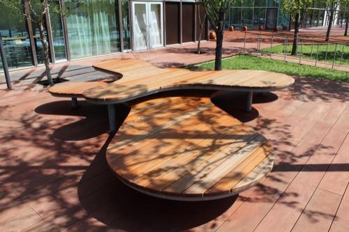 0160:ぎふメディアコスモス 並木に整備されたテラス